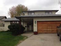 115 Fuhrmann Cres Rooms or Suite for Rent