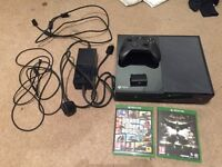 Xbox One with Chargeable Battery Pack, GTAV and Batman Arkham Knight