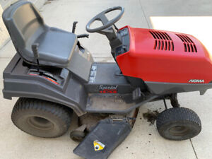 Riding Mower | Buy or Sell a Lawnmower or Leaf Blower in Winnipeg