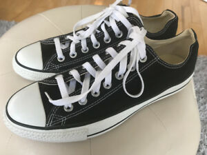 Converse sneakers (size 9) new