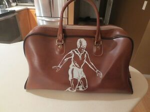 VINTAGE GYM BAG WITH SOCCER PLAYER ON IT
