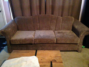 couch great condition $100 OBO Kawartha Lakes Peterborough Area image 2