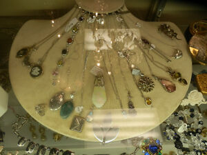 Great selection of vintage and estate jewellery. Kitchener / Waterloo Kitchener Area image 6