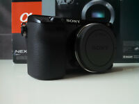 SONY Alpha NEX-7 24.3 MP Camera *ALMOST NEW* + Leather Case