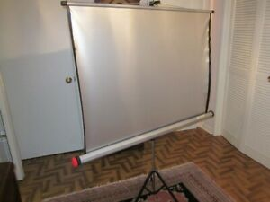 PROJECTION SCREEN: COMET SILVER: MADE IN GERMANY: PRISTINE