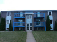 Large bright 2 bedroom apt on top floor with deck