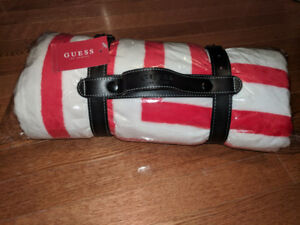 Guess Blanket Brand new never opened in carrying bag red/white