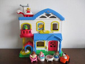 Jolie  Maison  Little  People Sonore
