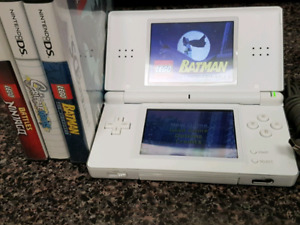 Nintendo DSLi , White, W/charger ,case +  3 games. Please read.