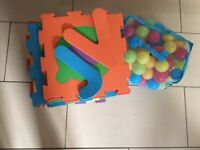 Baby letter play mat and balls
