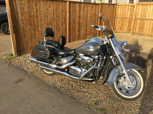 ***Super clean Suzuki Boulevard C90T - Low kms -Never dropped!**