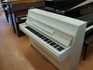 ★  Small upright Kawai Piano for Sale (used)