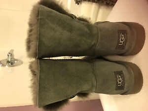 UGG Grey Boots fits 8.5-9
