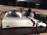 XBOX 360+3 Controllers+11 Premium Games+WIFI Adapter+Headset