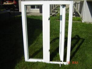 2 fenêtres à battant thermos en pvc  2 sections ,1 ouvrant