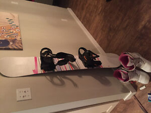 Package deal - Womans snowboard, boots & bindings