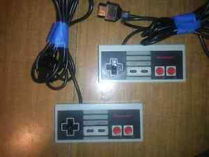 Set of 4 Nintendo NES Controllers