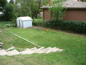 $15/HR! PETER PATCH LEAF-RAKING & GARDEN FALL CLEAN UP Peterborough Peterborough Area image 4