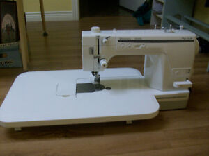 Quilting/Sewing Machine