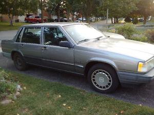 1990 Volvo 940 Sedan