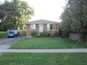 Spacious Open Concept 1 Bedroom - LAKESHORE Rd/Bunting Rd