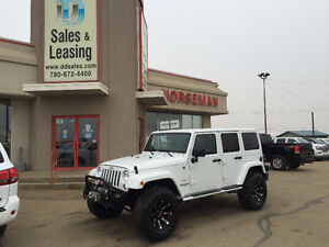 2014 Jeep Wrangler Unlimited Sahara LIFTED/Winch $36897