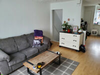 Bright spacious 2 bedroom apartment at bus stop Own Entrance