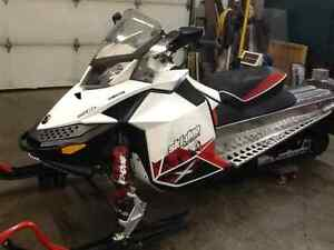 SKIDOO 600cc E TEC RENEGADE X LIKE NEW CONDITION