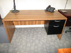 Small Desks Great For Home 48 X 24 and 60 X 30 Peterborough Peterborough Area image 3