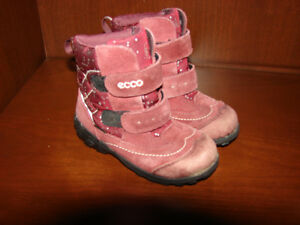 ECCO size 28 BOOT fits like a 9-10