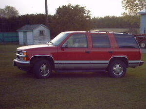 1997 Chevrolet Tahoe, 4x4, Suv, Victory Red and Silver