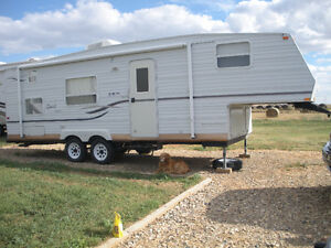 2002 JAYCO QWEST **VERY NICE FAMILY CAMPER WITH BUNKS!!**