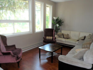 Roommate - Great opportunity to share a fabulous condo near Mac