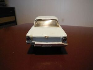 Vintage 1960 Ford Falcon Dealer Promotional Model Car London Ontario image 3