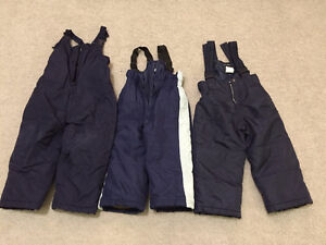 3 pairs of snow pants sizes 24 months, 2, 3. $10 for all firm.