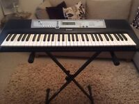 Yamaha YPT-200 keyboard with stand
