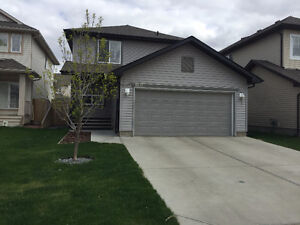 Rutherford 3 bedroom/2.5 bath single house, available June