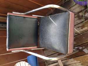 Cable wire table and chairs