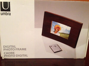 Solid Wood Digital Picture Frame NEW