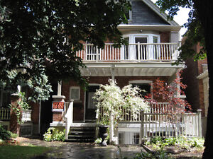 Beautiful Large 2000 SqF 3 BDRM in High Park Roncesvalles