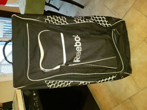 Reebok 20k hockey locker bag