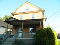 Old world charm 1 bedroom unit available in Niagara Falls!!