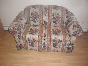 love seat in excellent condition