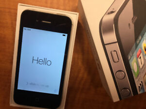SOLD - Iphone 4S Unlocked in perfect condition with box
