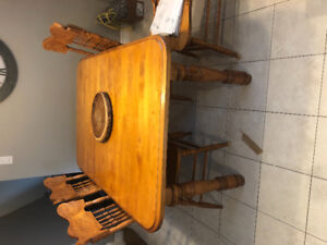 Solid maple kitchen table with 4 chairs