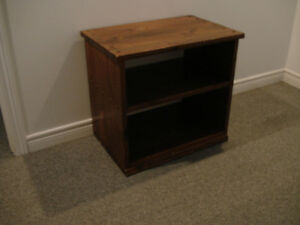 SOLID PINE TV STAND
