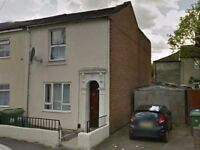 One Bedroom Flat in Derby Road, Newtown for £600 Per Month - Available 31st March