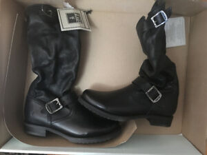 """*BRAND NEW* Frye """"Veronica"""" black leather motorcycle boots"""