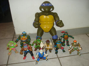 "Giant 13"" Donatello w/9 Smaller TMNT Figures + 2 Vehicles!!!"