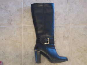 Bottes en Cuir  80$ / Leather Boots  80$   (gr. /size 6 )